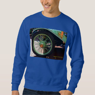 人のクラシックカーのタイヤのスエットシャツ スウェットシャツ