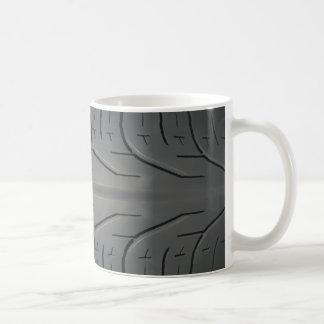 人のタイヤの踏面のコーヒー・マグ コーヒーマグカップ