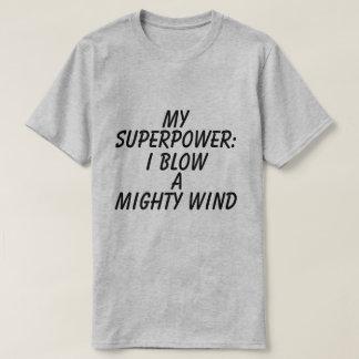 人の写実的な超出力のTシャツ Tシャツ
