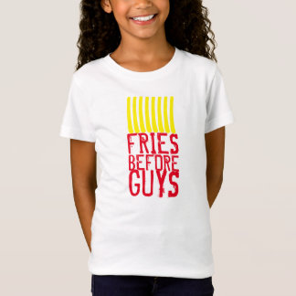 人の前の揚げ物 Tシャツ