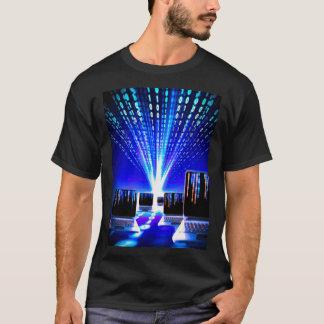 人の基本的な暗いTシャツコンピュータ日本製アニメのハイウェー Tシャツ