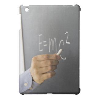 人の手の執筆理論のクローズアップの iPad MINIケース