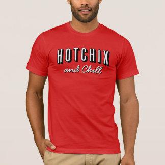 """人の""""HOTCHIXおよび冷たい"""" Tシャツ(赤い) Tシャツ"""