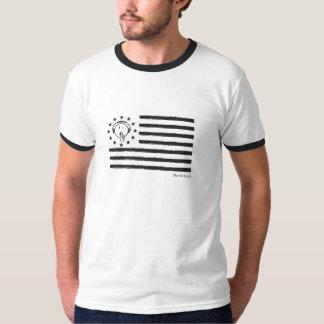 人は静かな旗のTシャツです Tシャツ