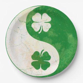 人気があるなセントパトリックの日のアイルランド人のシャムロック ペーパープレート