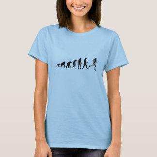 人間の進化: 女性のランナーのTシャツ Tシャツ