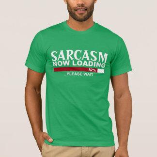 今おもしろいのグラフィックのティーに荷を積む皮肉 Tシャツ
