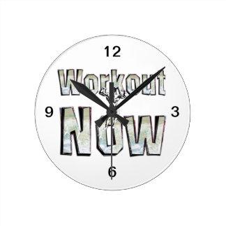 今上のトレーニング ラウンド壁時計