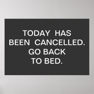 今日は取り消されました。  寝ることを戻って下さい ポスター