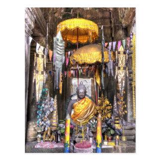 仏教寺院の中の祭壇区域の眺め、 ポストカード