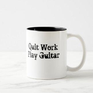 仕事、演劇のギターのコーヒー・マグをやめて下さい ツートーンマグカップ