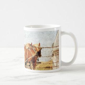 仕事、2匹のばん馬の用意して下さい コーヒーマグカップ