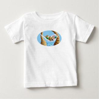 休日のハンモック ベビーTシャツ