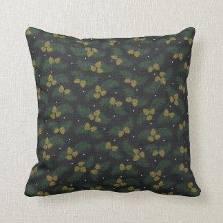 休日の冬の松の木のドングリの常緑樹の枕 クッション