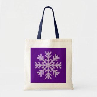 休日の紫色の白い雪片 トートバッグ