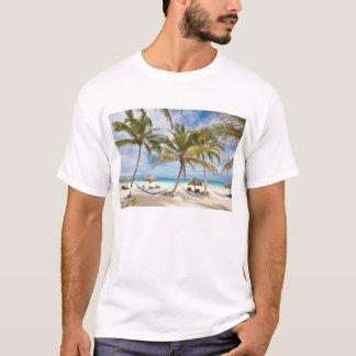 休暇のビーチ Tシャツ