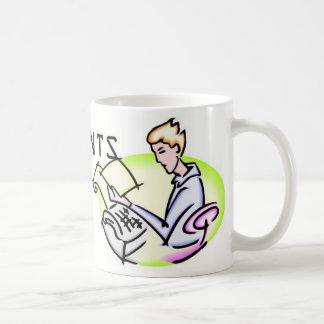 会計士は彼らのバランスを失わないでそれをします コーヒーマグカップ
