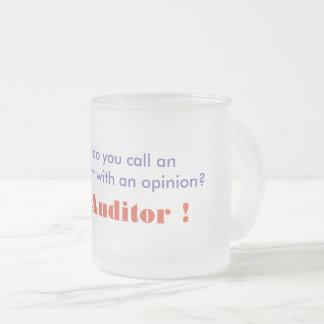 会計検査官のコーヒーか茶マグ フロストグラスマグカップ