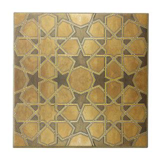 伝統的で幾何学的なパターン タイル