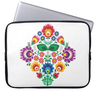 伝統的なポーランドの花の民俗刺繍パターン ラップトップスリーブ
