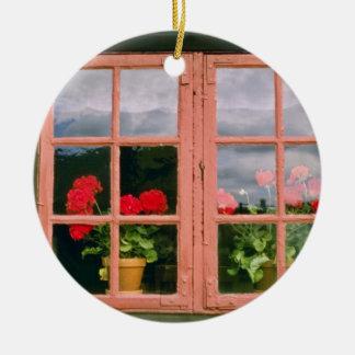 伝統的のの窓のすみれ色のゼラニウムHo セラミックオーナメント