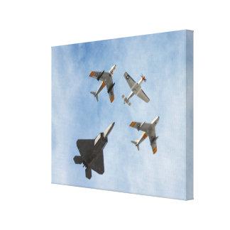 伝統- P-51ムスタング、F-86-Fのサーベル、F-22Aの猛禽 キャンバスプリント