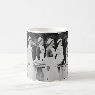 伸張器を持つ第1次世界大戦のナース コーヒーマグカップ