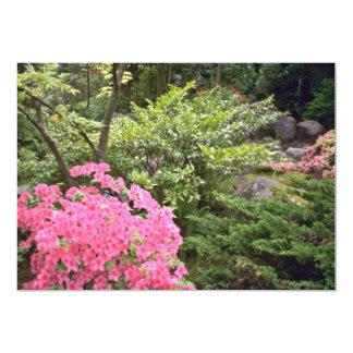 低木の花の中のピンクのツツジブッシュ カード