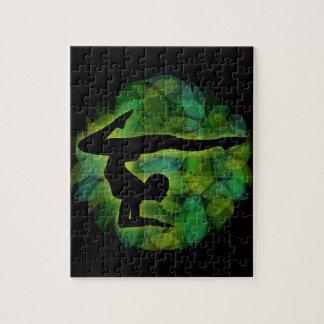 体操かヨガをしている人のシルエット ジグソーパズル