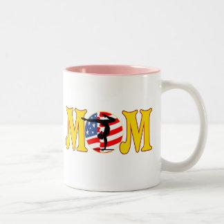 体操のお母さんの母の日のギフト ツートーンマグカップ