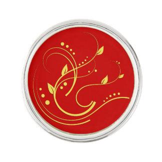 何か赤い背景の選択の金ゴールドのデザイン ラペルピン