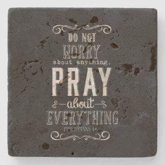 何でもを祈りますすべてについて心配しないで下さい ストーンコースター