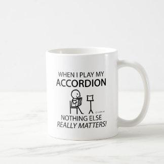 何もアコーディオン重要です コーヒーマグカップ