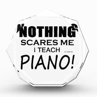 何も私をピアノおびえさせません 表彰盾