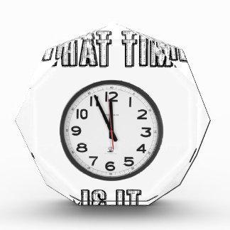 何時にそれがあるか、時計 表彰盾