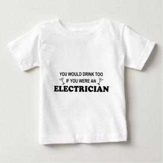 余りに飲み物の-電気技師 ベビーTシャツ