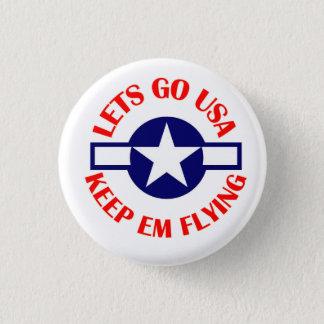 保ちますEmの飛んでいるなボタンを行くために割り当てます 3.2cm 丸型バッジ