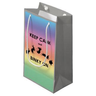 保って下さいギフトバッグ(虹)の平静そしてBinkyを スモールペーパーバッグ