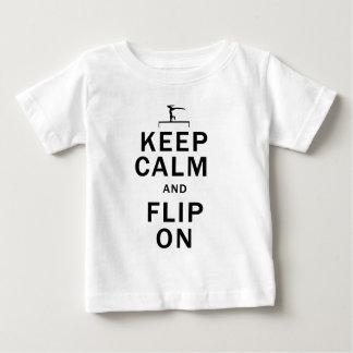 保穏やかおよびフリップ ベビーTシャツ