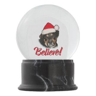 信じて下さい! サンタおもしろいなサンタの実験室のオーストラリアの飼い犬 スノーグローブ