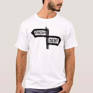 信用または借方スケートのチーム基本的なティー Tシャツ