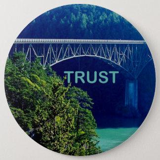 信頼ボタンの橋 缶バッジ