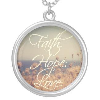 信頼。 希望。 愛。 キリスト教の宝石類-ネックレス シルバープレートネックレス