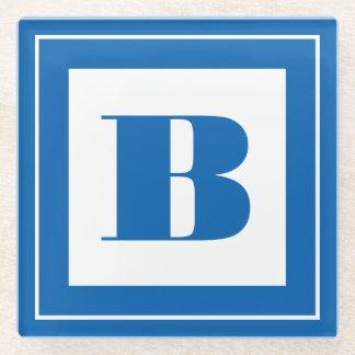 個人化して下さい: 最小主義の正方形のはっきりしたな青のイニシャル ガラスコースター