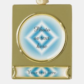個人化空の青いダイヤモンドの勾配 ゴールドプレートバナーオーナメント