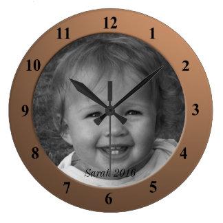 個人的でカスタムな写真および文字青銅色フレーム ラージ壁時計