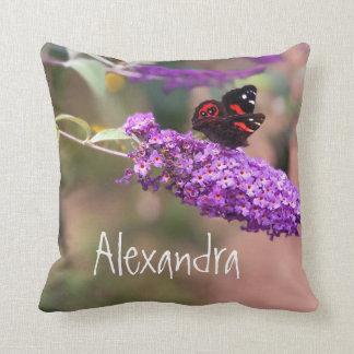 個人的な紫色 のBlack 赤い蝶写真 クッション