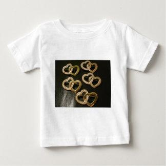 倍によって編まれる愛ハート ベビーTシャツ