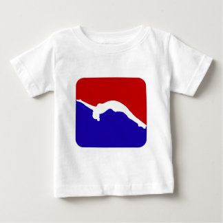 倒れかけた体育専門家 ベビーTシャツ