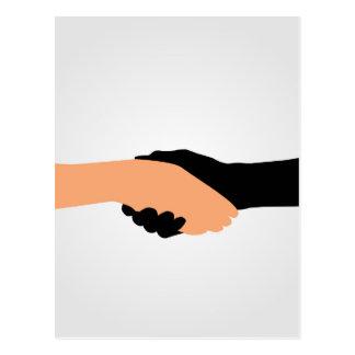 停止人種的優越感を描写する握手のグラフィック ポストカード